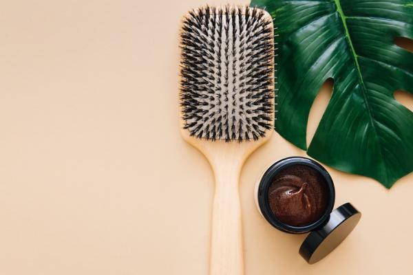 染燙髮一年別超過3次!醫師:避免掉髮、扁塌的頭皮保養必知
