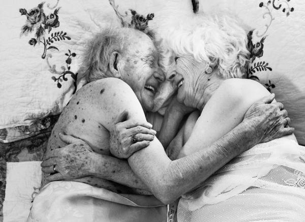 拍下100歲的性生活!攝影師Arianne Clément作品:敢挑戰,老可以很美好
