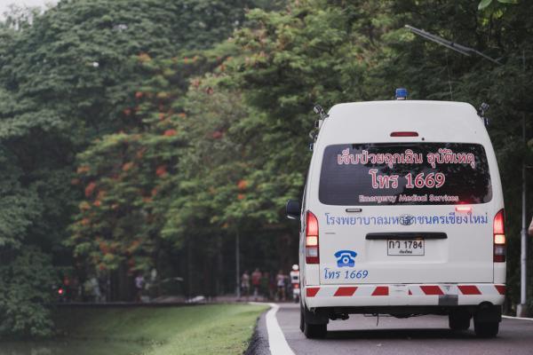 日本臨終照護權威長尾和宏:想自然離開人世,就別叫救護車