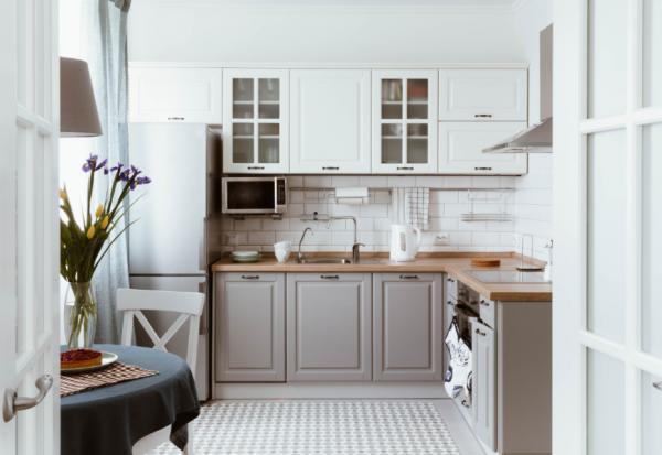 1秒就能拿到所需的廚房收納法!日本整理顧問:東西再多,都把它分成「三條線」