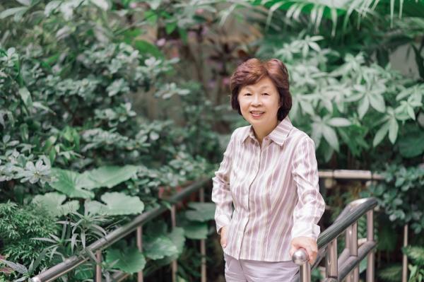 陪83歲媽媽在家斷食善終!醫師畢柳鶯:愛的極致是放手,瀟灑地走勝過痛苦地活