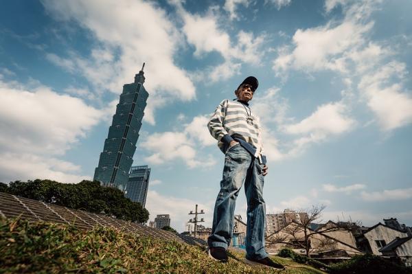 天天穿潮T,還辦生前歡聚會!78歲葉天健「不一樣」哲學:與其親友流淚回憶,不如趁活著能聚就聚