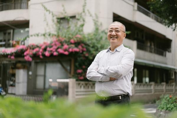 下廚30年的經濟學家林向愷:熟男退休後,要把工作時的自己忘掉