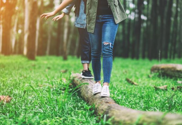 隨意走動就有效!耶魯博士:6個容易做到的生活習慣,延緩腦部衰退