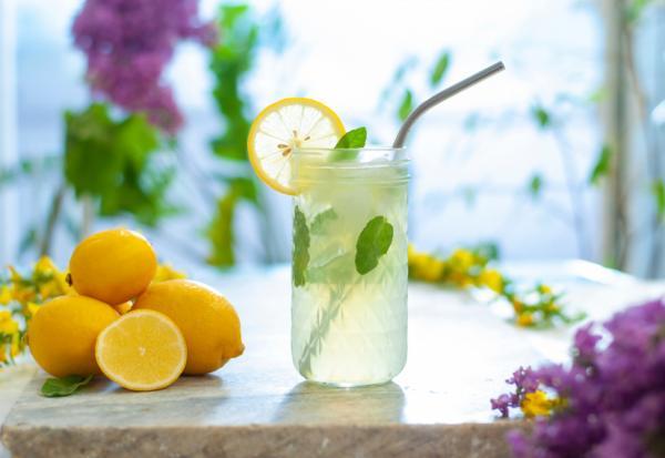 天氣熱精神與胃口差,怎麼改善?李婉萍:喝對3種水,開水、檸檬水、苦瓜水