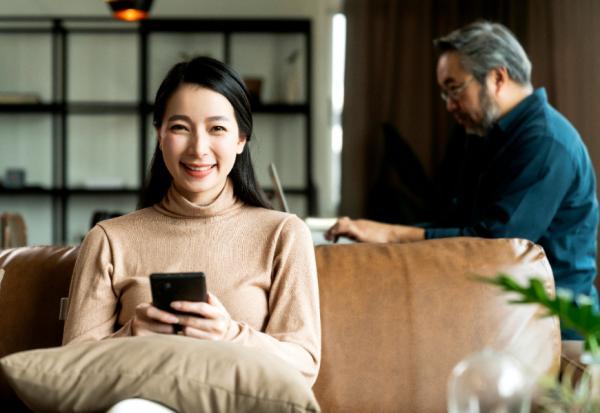 長時間待在家,如何減少彼此壓力?少用「5W1H」提問,把「為什麼」換成「怎麼了」