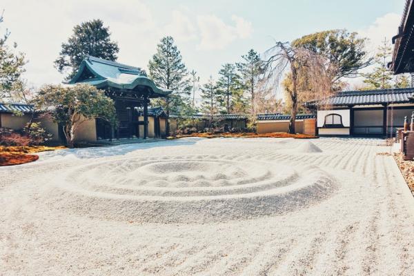 若人生是座庭園,該如何整理?日本枯山水大師:交給自然,減到不能再減