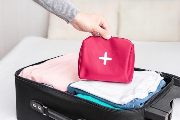短知識 出門旅遊必備藥品清單!吃壞肚子找不到腸胃藥怎麼辦?