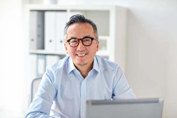 透過「職務再設計」71歲新加坡人資幫熟齡者找到新工作