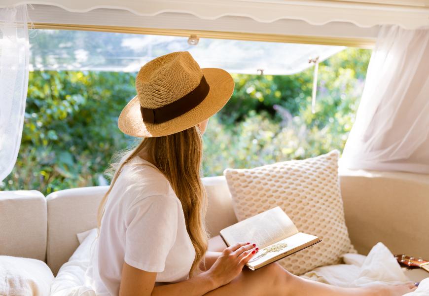 不必出門,在家度假更放鬆!最新歐美潮流,居家也能享受精品酒店情調的6個心法