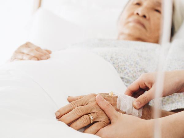 小笠原文雄醫師:失智獨居,也能一個人在家臨終嗎?