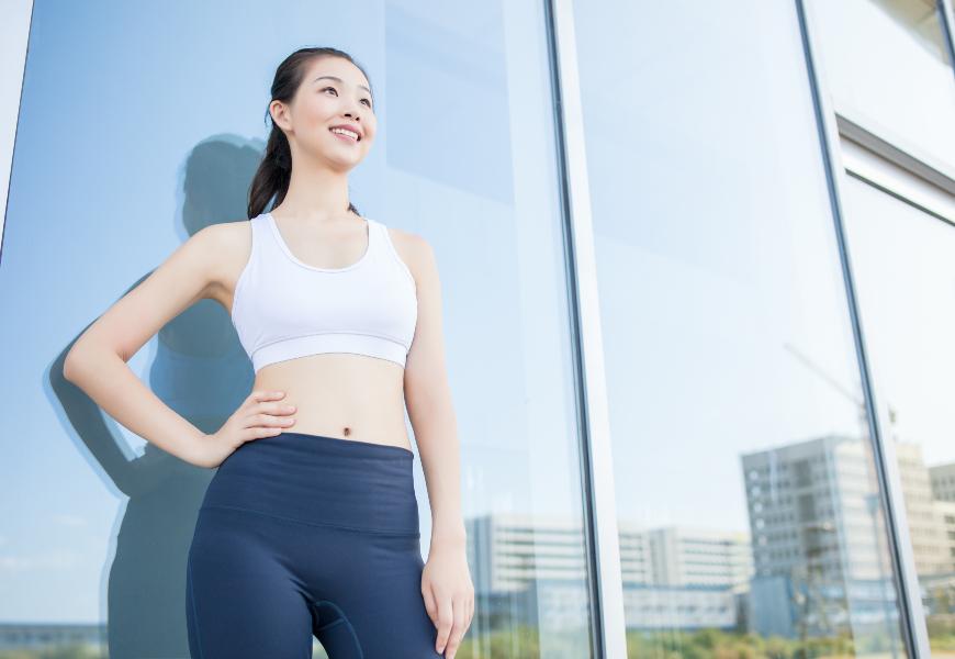 怎麼坐和站,腰部不易痠痛?日本整體師傳授「5點貼壁站立法」