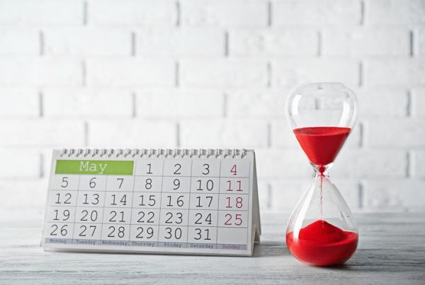 一輩子只有900多個月!中年後的心思斷捨離:少操心別人的事,把自己時間變珍貴
