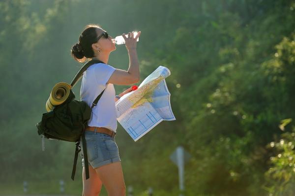 水喝不夠,壓力荷爾蒙會傷大腦!醫師:腦是要保養的,生活必做7件事
