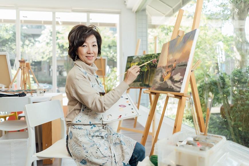 59歲丁菱娟開油畫展:一年學一件事,真的能完成夢想!