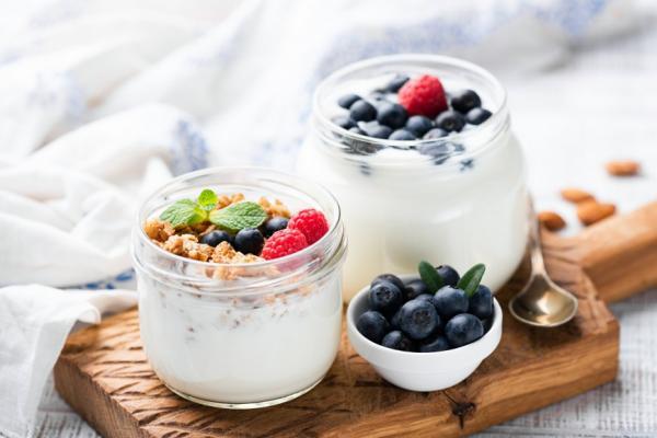 便秘可能是帕金森氏症前兆!醫學證實腸腦相關,如何用「吃」讓神經與腸胃健康?