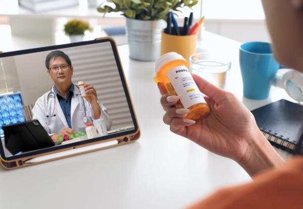 疫情下不敢去醫院、慢性病回診怎麼辦?一次搞懂如何視訊看診、處方箋領藥,不出門也可看醫生