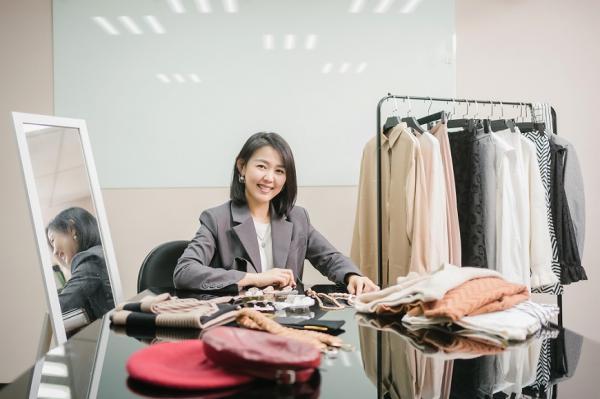 什麼身材都是好身材!穿搭顧問劉為麟:學看6種基本穿衣線,體型變了還是能美