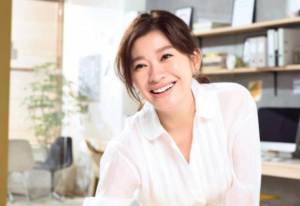 日票選「輕熟美」代表!47歲篠原涼子的臉部減齡秘訣:早上起床吃小黃瓜