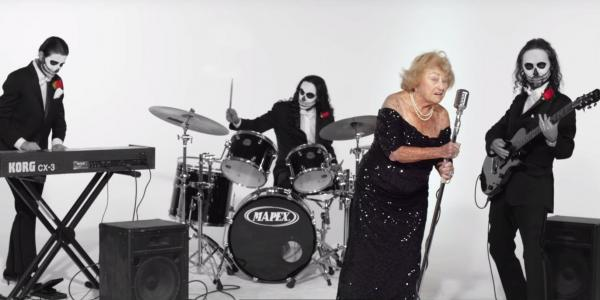 活太長會寂寞,怎麼辦?97歲Inge:成為重金屬搖滾主唱,向世界吼